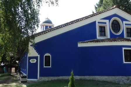 Ремонтират църквата в Копривщица за Богородица