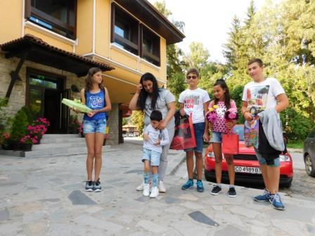 Деца от Копривщица се срещнаха с Митко от Златица