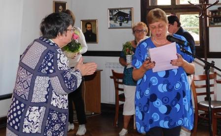 Копривщенци отбелязаха 70-годишния юбилей на Райна Каблешкова (редактирана)