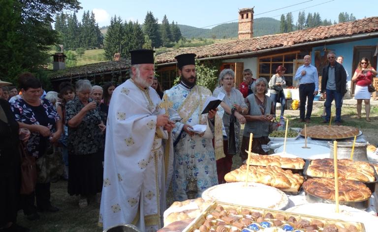 На Голяма Богородица в Копривщица отбелязаха храмовия празник