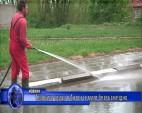 Главните улици в Антон се мият безвъзмездно
