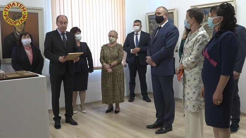 Платен репортаж: Президентът беше гост на тържество в с.Петрич